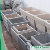 onde vende vaso de cimento para jardim Guarujá