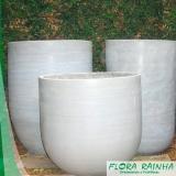 vaso de cimento para jardim Cesário Lange